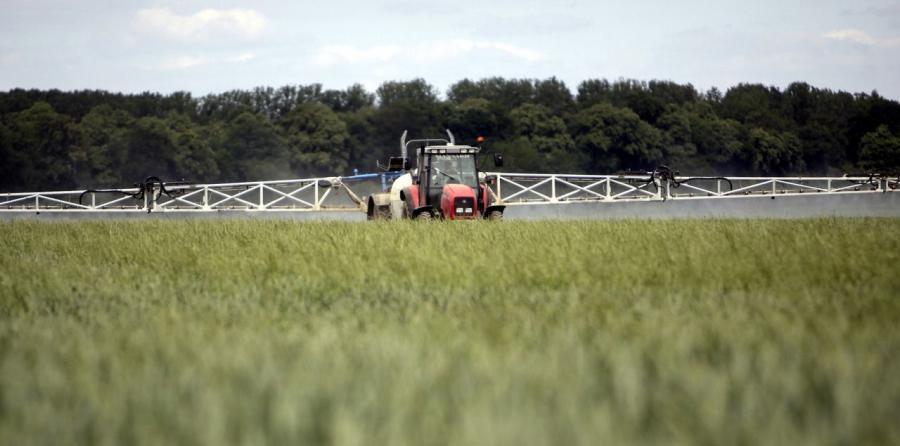 Plusieurs dizaines d'exploitants agricoles ont épandu par erreur un pesticide très puissant sur leurs cultures. Une surveillance sanitaire a été mise en place pour en contrôler les conséquences. (LP/Arnaud Dumontier.)